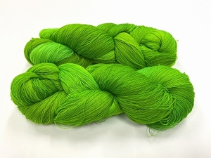 merinosoft super lace  color AMAZONIAN FROG  100gr 1450met