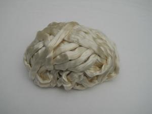ruband de soie/pain de soie/meche de soie  100 gram