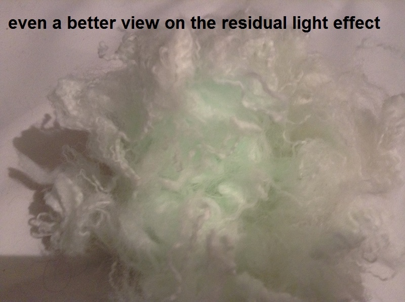 Glow in the dark vezels structuur curlywurly