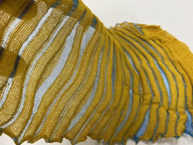 Hautecouture demi matt invisible strong color yellow