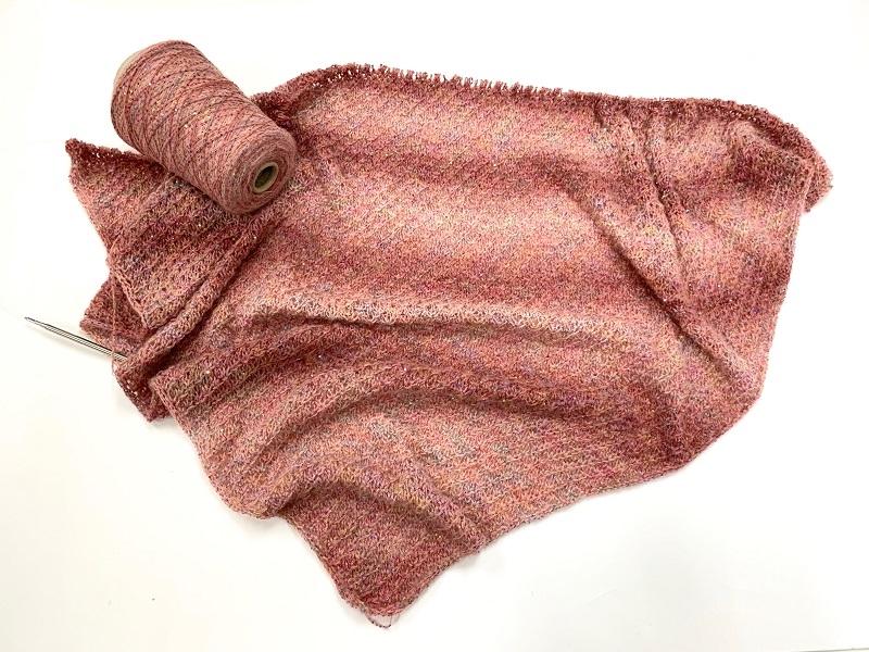 Hautecouture micropaillettes Baby alpaca  soft rose 4126