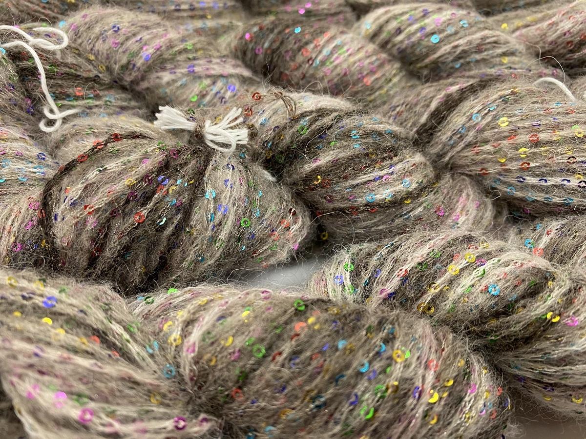 Hautecouture micropaillettes Baby alpaca kakhi 4126
