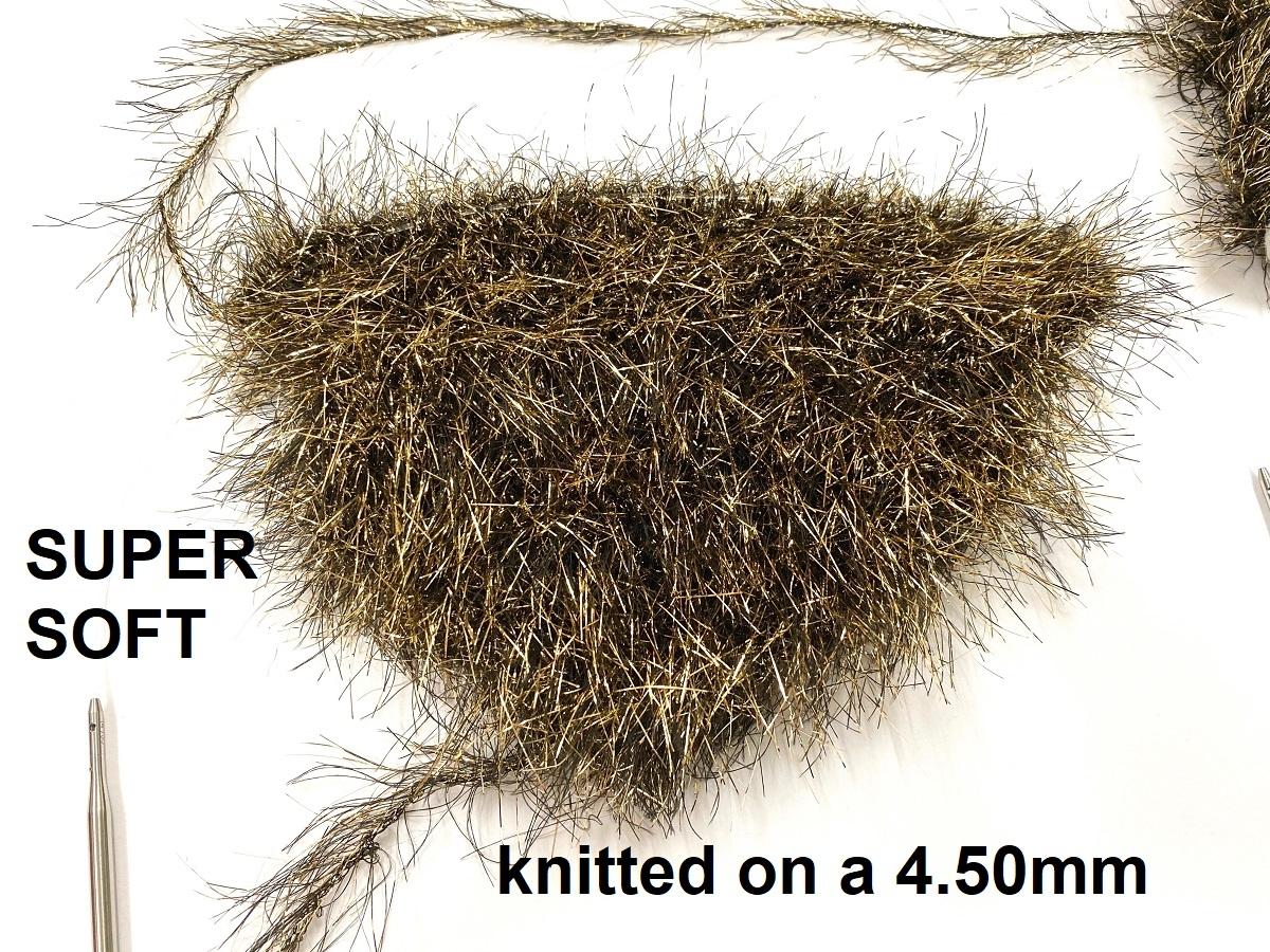 Hautecouture soft metaloïde OstrichFeathers silver
