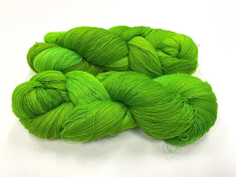 merinosoft super lace  color AMAZONIAN FROG DEEP