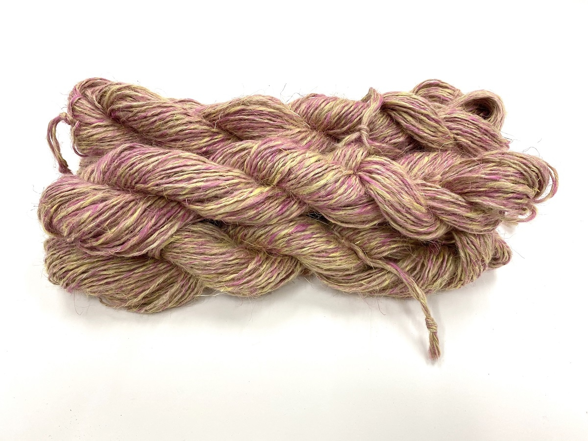wet spun old tradition knitting special color 4 ROZE RED